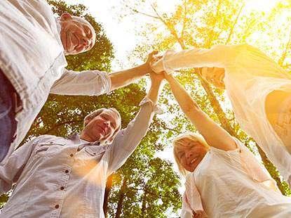 Foto: Incentive-Reisen und Aktiv-Events, Menschen geben sich die Hände